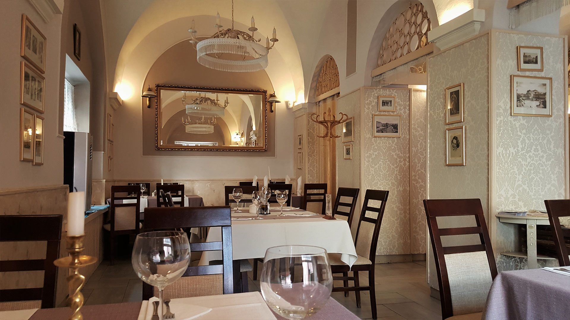 wnętrze restauracji Kmicic na Starym Mieście